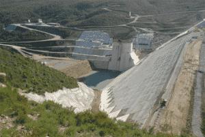 Réalisation de barrages par Sintram, client dans le domaine du BTP - ADCI