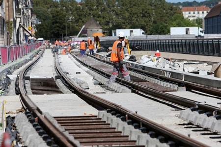 ALSTOM, entreprise dédiés aux transports, utilisateur de SOLUTIONS BTP sur les chantiers