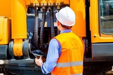 Maintenance et suivi du parc matériel avec la tablette atelier - SOLUTIONS BTP